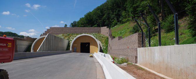 Gabionenwand-Ostportal